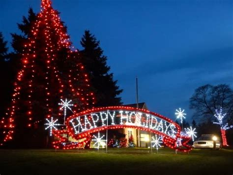 expense of holiday lights questioned by trustees