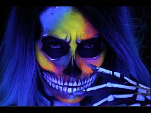 SKULL MAKEUP Neon & BLACKLIGHT Halloween Hat Tutorial