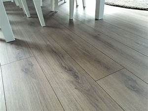 Parkett Oder Vinyl : fusboden erstaunlich laminat holzboden swivellock laminatb den kiefer laminatboden ~ Frokenaadalensverden.com Haus und Dekorationen
