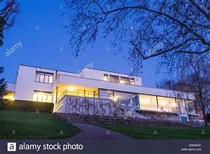Villa Mies Van Der Rohe : villa tugendhat at dusk mies van der rohe built it between 1928 and stock photo 81612506 alamy ~ Markanthonyermac.com Haus und Dekorationen