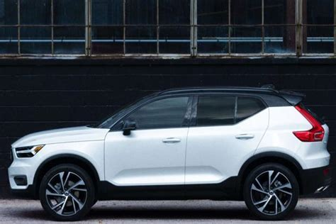 volvo xc  design launched  india   lakh