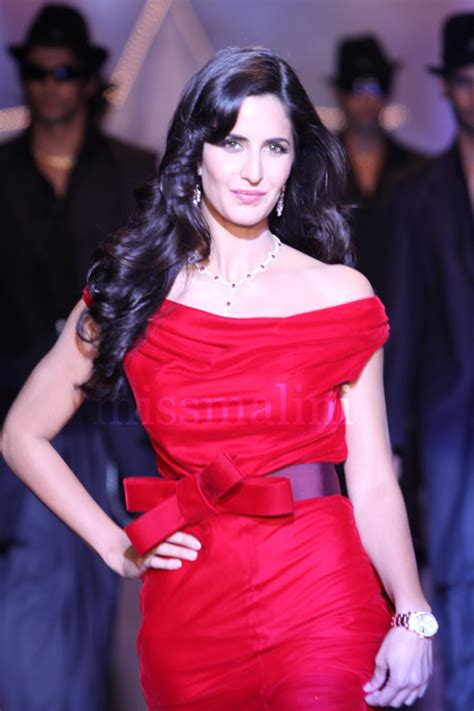 cute  hot actress katrina kaif  maina pyar kyu kya
