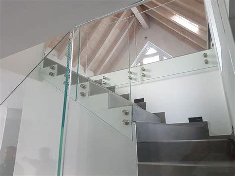 ringhiera vetro prezzo preventivo borchia inox per ringhiera e balaustra in vetro