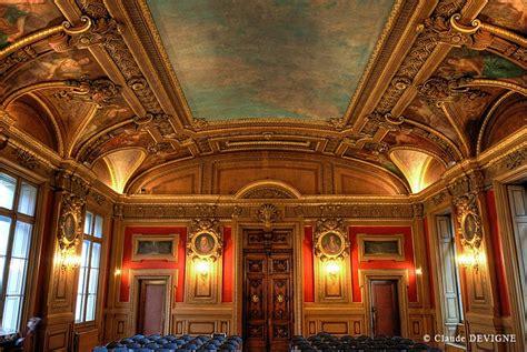 une chambre en ville bordeaux le palais du commerce lyon unesco