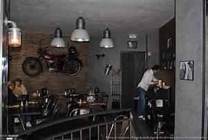 Bar D Interieur : bar lounge industriel tatiana sarazin c t maison ~ Preciouscoupons.com Idées de Décoration