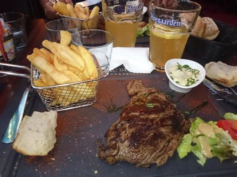 restaurant bureau rouen goats cheese burger and chips salad picture of au