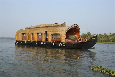 Kerala Boat House Munnar by Kerala Alleppey Houseboat Tour Packages