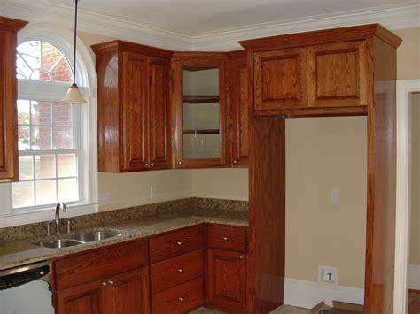 trim around kitchen cabinets kitchen cabinet crown molding buy kitchen ideas pinterest