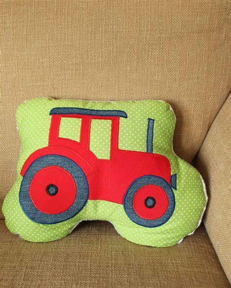 Diy Kinderspielzeug Kuscheliges Plaetzchen Fuer Die Kleinsten by Applikation Vorlage Traktor F 252 R Den Kleinen Sewing