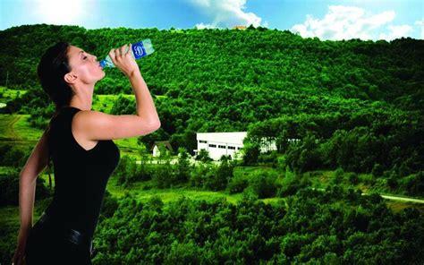 Të mirat e ujit tek shëndeti - Ujë i Alpeve