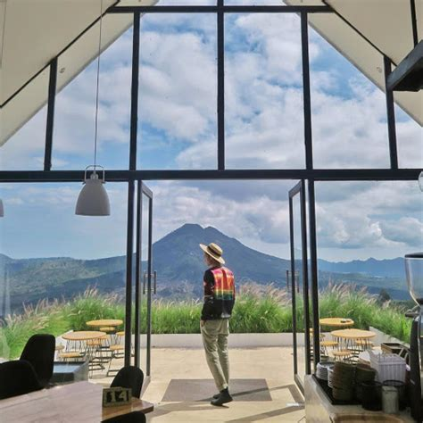 lokasi  daftar harga menu montana del cafe bali terbaru