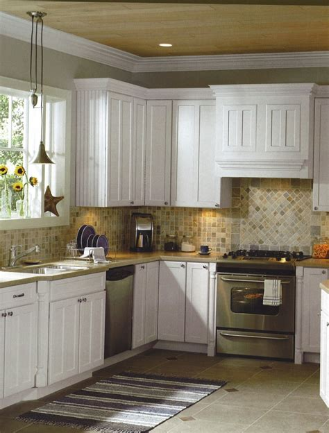 backsplash ideas for white kitchen cabinets 1000 images about kitchen tile on