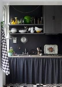Rideau Pour Placard : inspiration noir and cuisines sombres on pinterest ~ Teatrodelosmanantiales.com Idées de Décoration