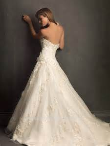 a linie brautkleid mit blüten und spitze modell fairytale - Brautkleider A Linie Spitze
