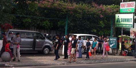 kemacetan kota bandung bikin turis belanda geleng geleng