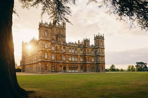 downton abbey castle   listed  airbnb   night stay curbed