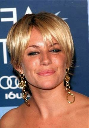 coupe carré asymétrique coupe cheveux court blond platine coupe cheveux court 2016