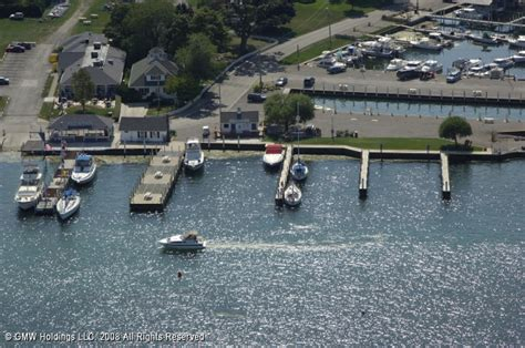 Boats For Sale Put In Bay Ohio by Put In Bay Yacht Club In Put In Bay Ohio United States
