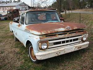 1961 Ford F100 Unibody Pickup Truck