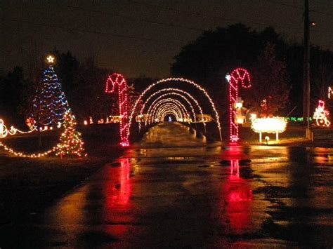 spectacular free drive through christmas light show in
