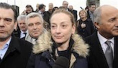 Florence Cassez ya está en Francia y pone fin a su ...