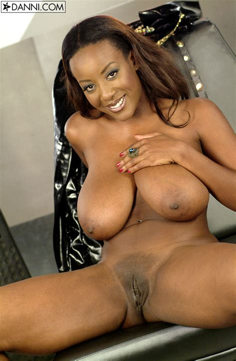 Shaved Ebony Sierra Lewis With Saggy Tits Tgp Gallery