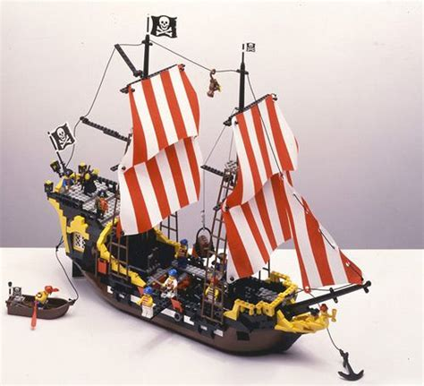Lego Boat Pirate by Best 25 Lego Pirate Ship Ideas On Pirate Lego