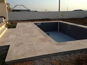 Construction d'une piscine béton armé banché UNIBEO par Aquarev'Piscines à Oraison 04700