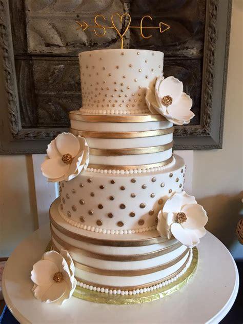 beautiful wedding cakes   baking grounds bakery cafe
