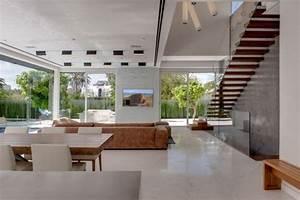 Int U00e9rieur Design Moderne D U0026 39 Une Maison Moderne Avec Piscine