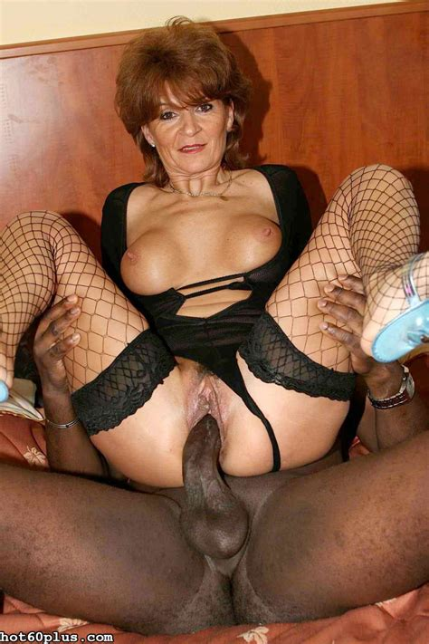 Tunde - Shapely Granny loves Black Cock - Pichunter