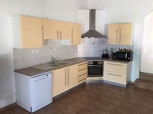 Cuisine D Angle Complète : une cuisine d 39 angle compl te annonce meubles et d coration la r union ~ Teatrodelosmanantiales.com Idées de Décoration