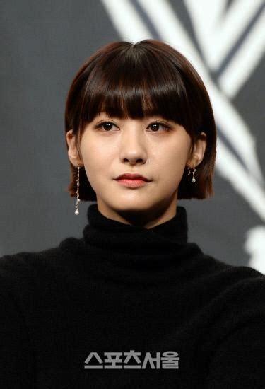 rambut pendek artis korea  ngehits belakangan