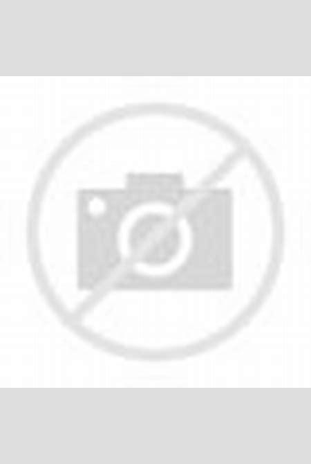 Rilee Marks ULTRA High Res - Nude Washing a Silver Jaguar Set -Teen Porn Jpg