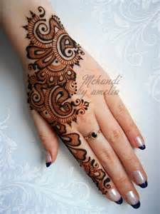 bridal flowers best mehndi designs for different occasions