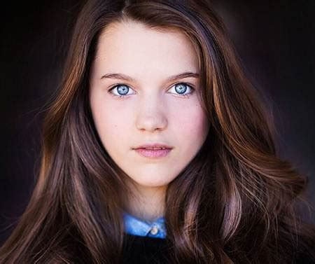 chloe east biography wiki birthday height weight age date