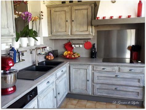 relooking meuble cuisine relooking d 39 une cuisine esprit industriel patine sur