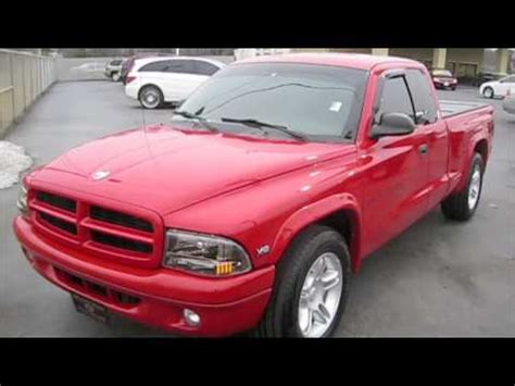 1999 Dodge Dakota RT 5.9 Start Up, Custom Exhaust, and In