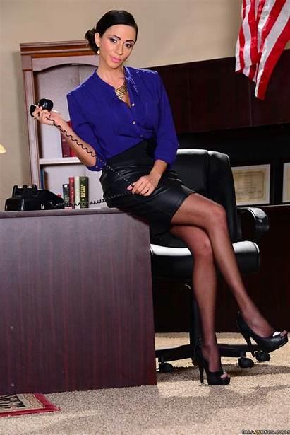 Ariella Ferrera Legs