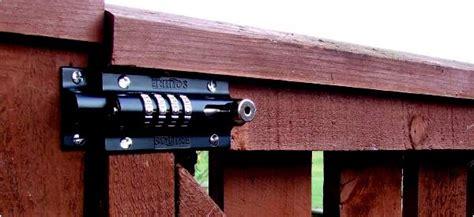 Backyard Door Lock by Backyard Fence Door Lock Outdoor Furniture Design And Ideas