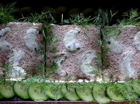 cuisiner maquereau frais sandwich cake au maquereau voileipäkakku finlande