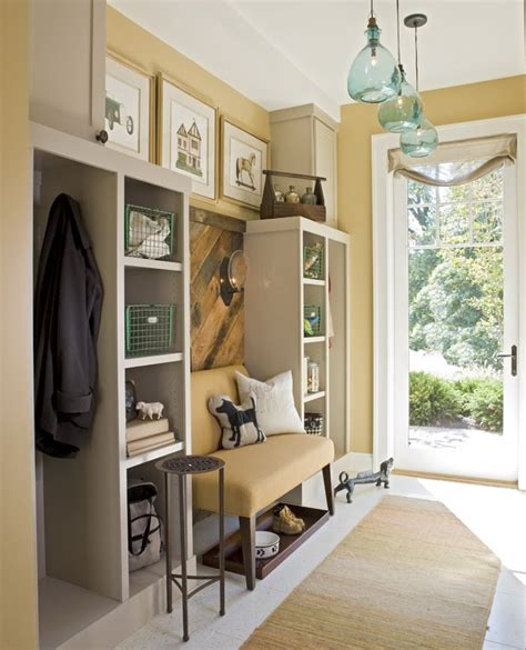 .Lilac Lane Cottage: Mud Rooms