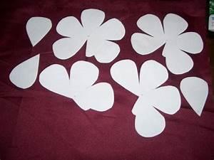 Blumen Basteln Vorlage : satinrose nach einer bastelvorlage f r papier bastelfrau ~ Frokenaadalensverden.com Haus und Dekorationen