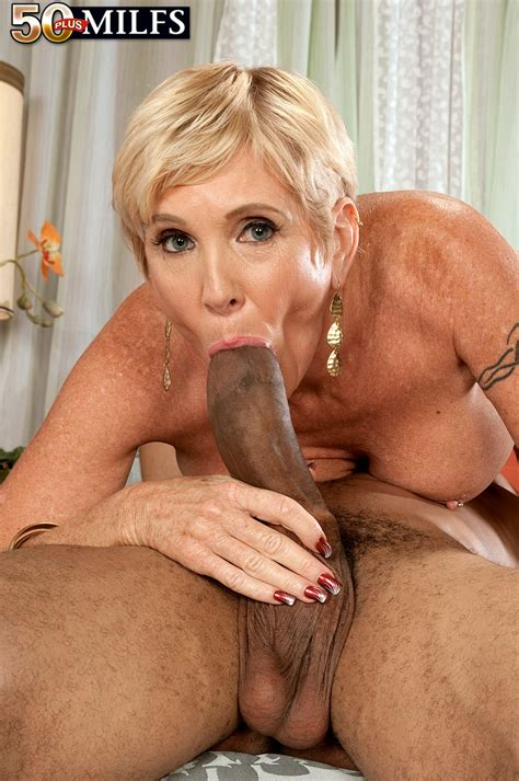 Good Looking Busty Blonde Milf Having Sex With Chocolate