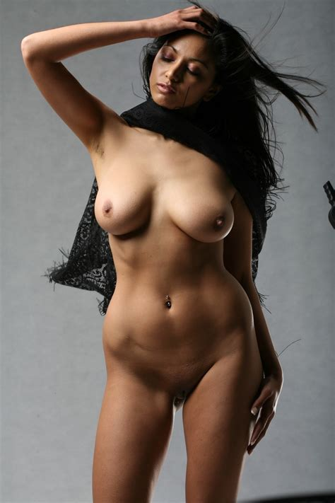 Indian Model Posing Nude Xxx Dessert Picture 13