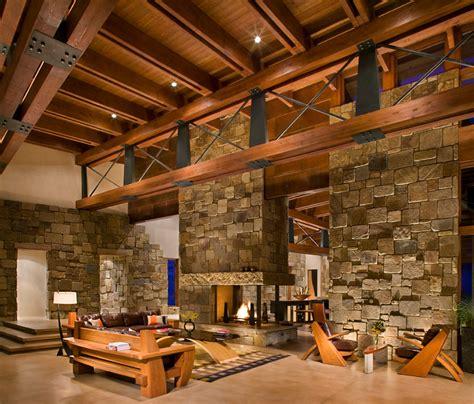 chambre chalet montagne mur interieur en bois chalet mzaol com