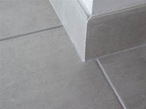 Pose De Plinthe Carrelage : profil carrelage angle sortant profil decor produits joints de scellements contour de ~ Melissatoandfro.com Idées de Décoration