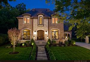 Custom Home Builders in Downtown Naperville - Realtor
