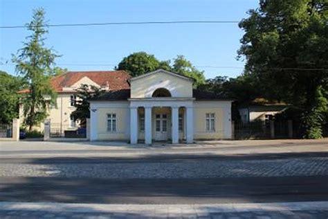 Botanischer Garten Braunschweig Flohmarkt by Torhaus Am Botanischen Garten Szene38