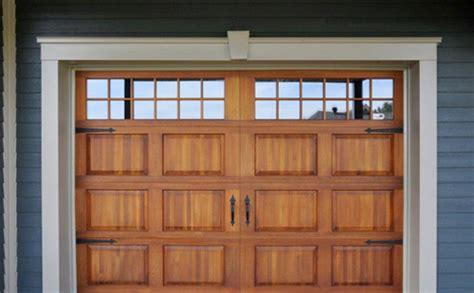 porte de garage bois porte de garage en bois menuiserie de l estrie